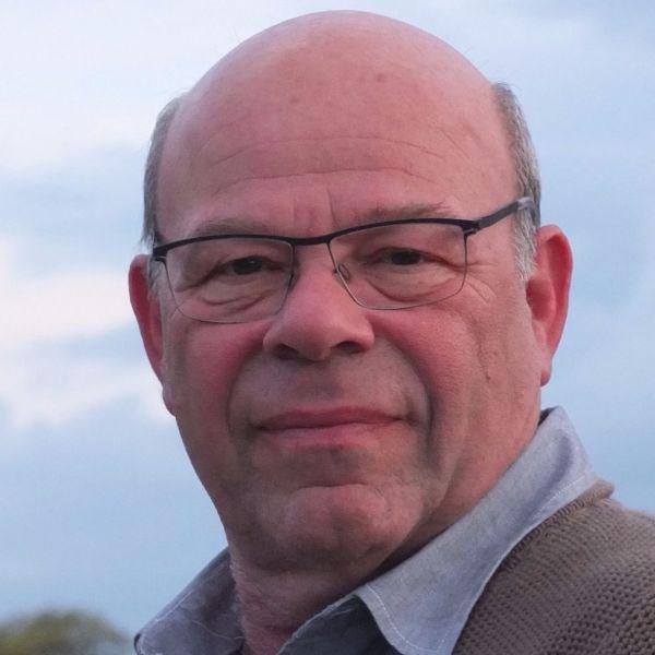 Dr George Druttman