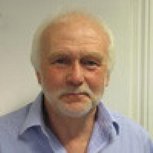 Dr Stephen Fellows