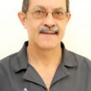 Dr Thinus Oelofse