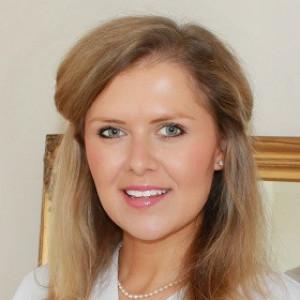 Dr Alexandra Day