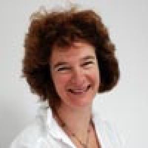 Dr Christine Davies