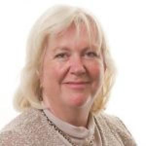 Dr Annette Bacon - MA, MB Bchir, FRCS, FRCOphth