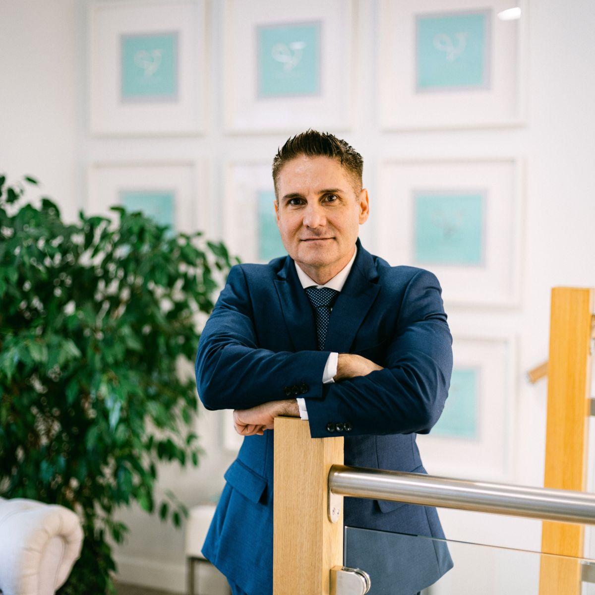 Dr Ioannis Liakas