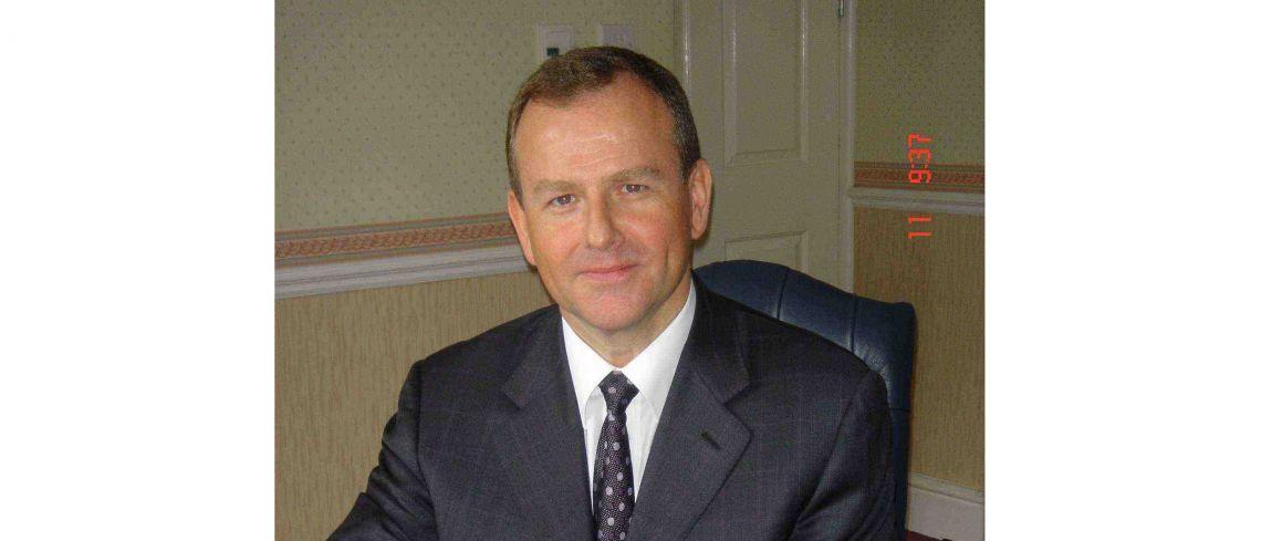 Dr Anthony Armstrong BDS(Hons) MBChB(Hons) FDSRCS, FRCS, FRCS(Plast)