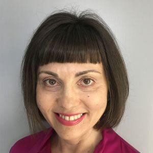 Dr. Iwona Reid