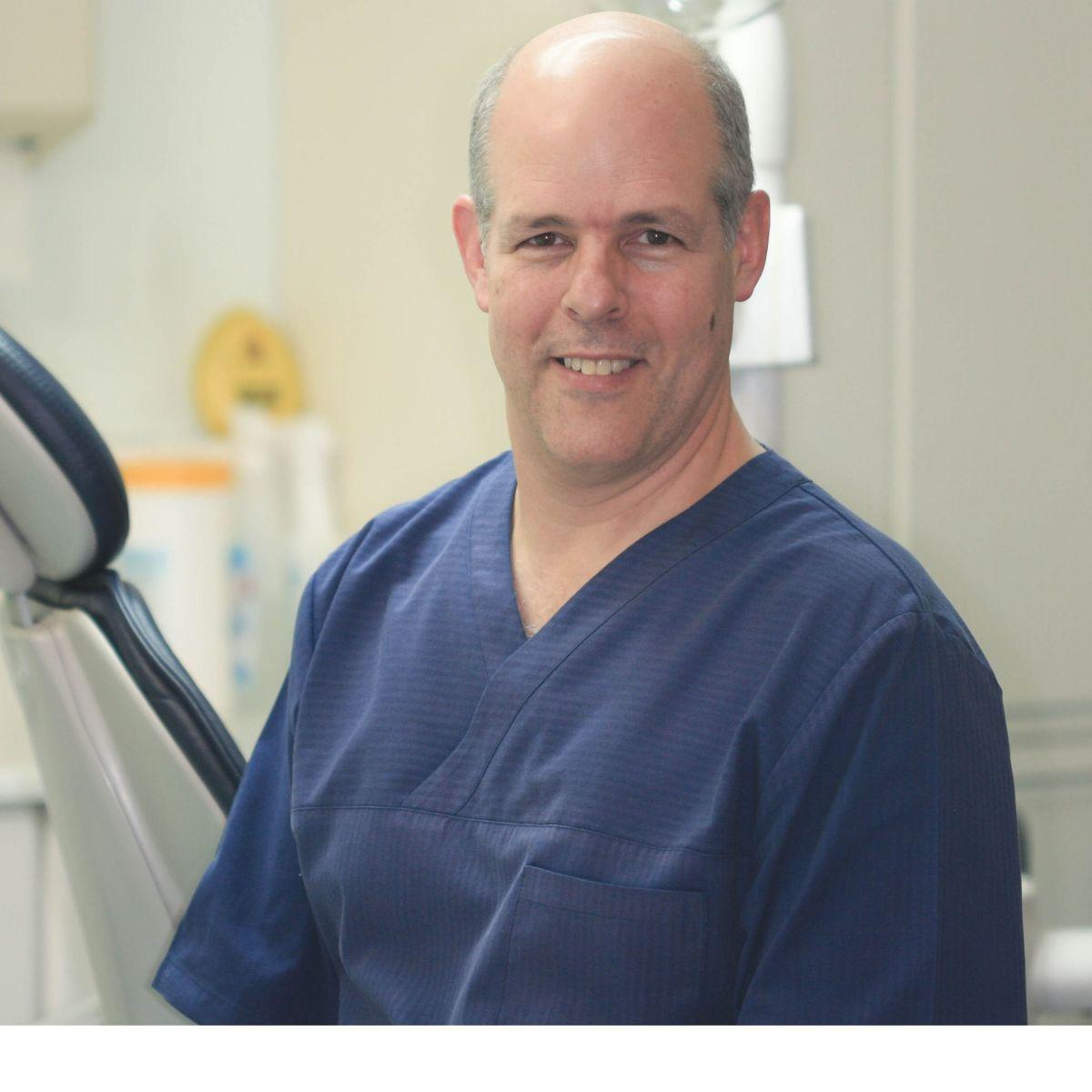 Dr Richard Tucker