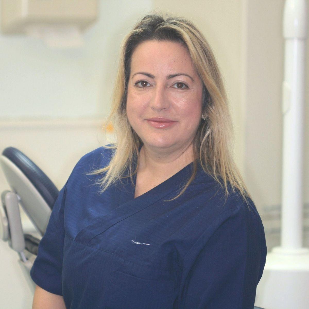 Dr Dina Dedi