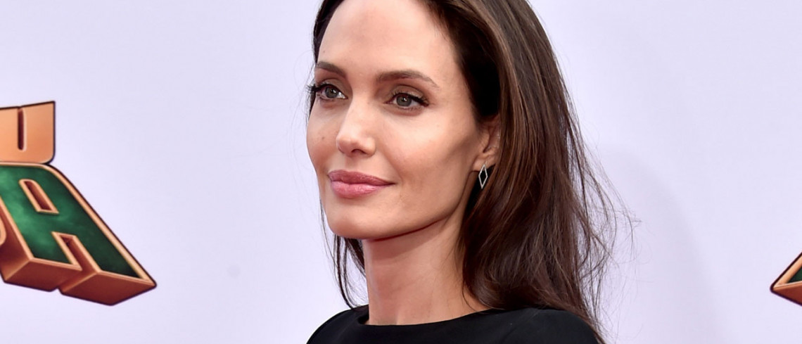 Angelina Jolie inspires sharp rise in breast cancer gene test