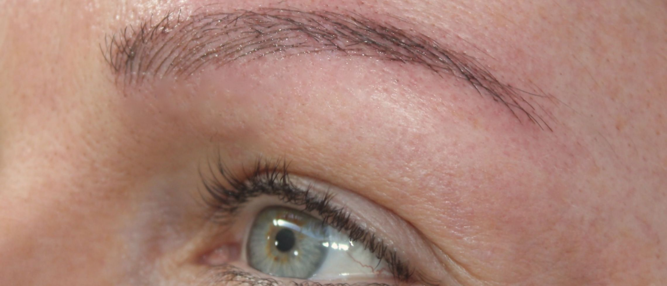 Are your eyebrows all plucked up? How to fake it with microblading SAFELY
