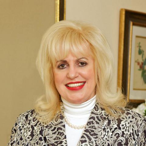 Dr Rita Rakus
