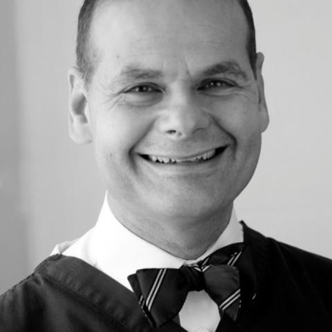 Dr Alan Sidi